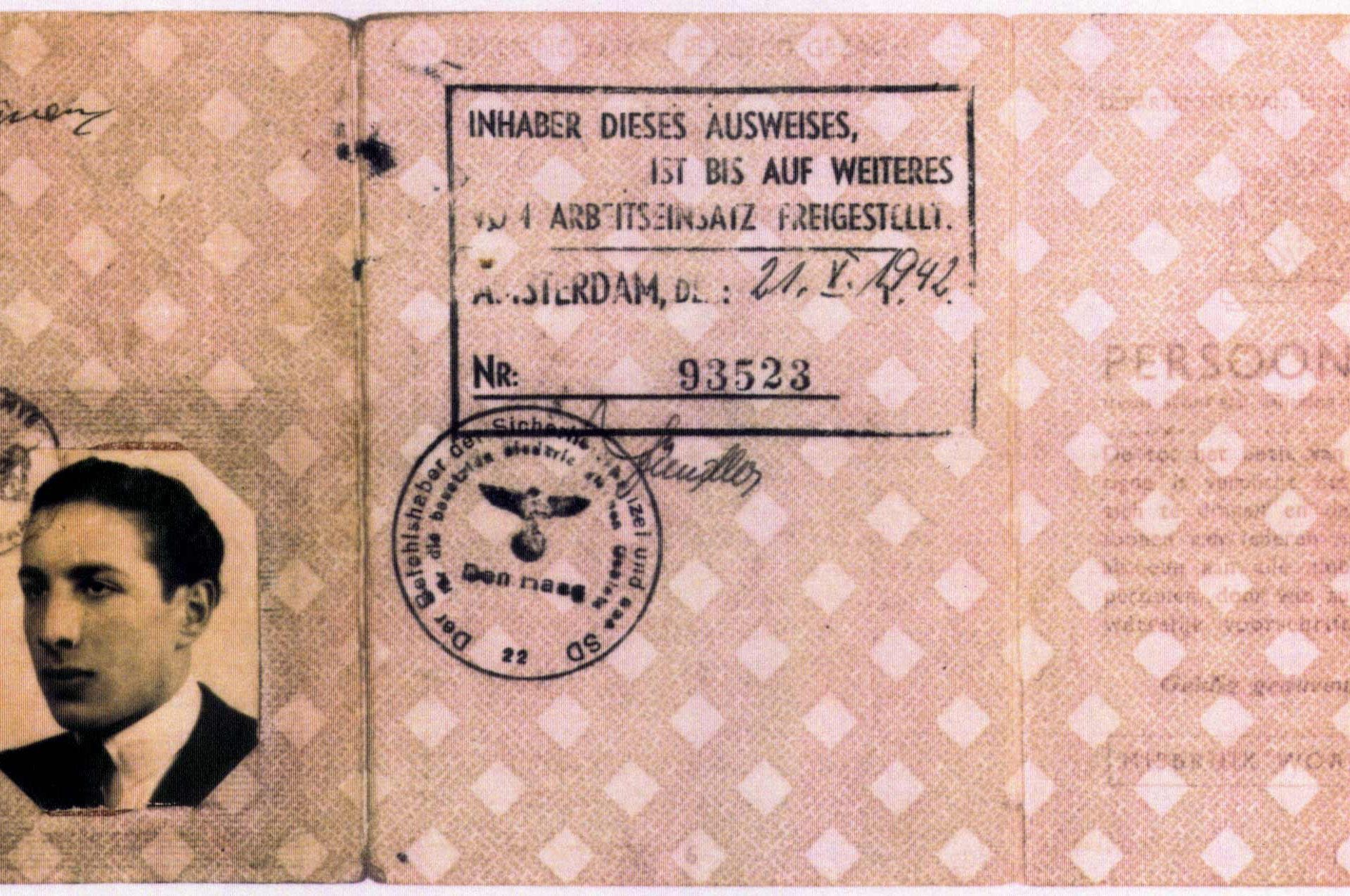 Identity card of Samuel Schryver.