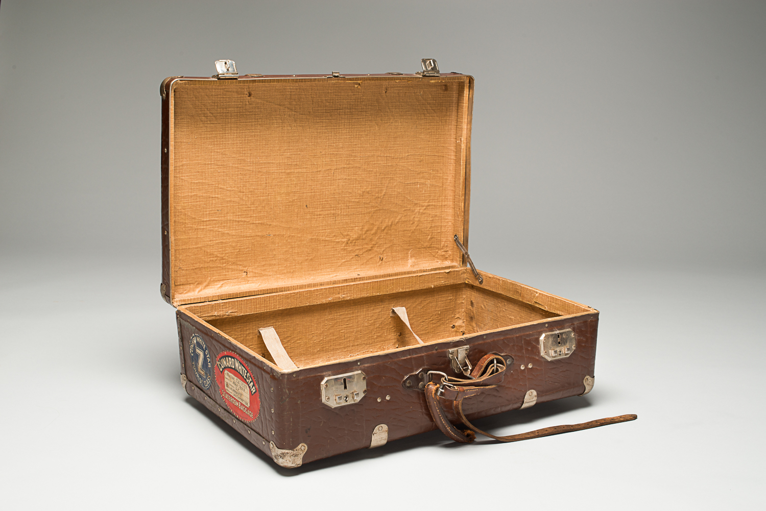 Nathan Cytryn brought this suitcase with him when he immigrated to Canada in 1947. (Photo: Peter Berra)