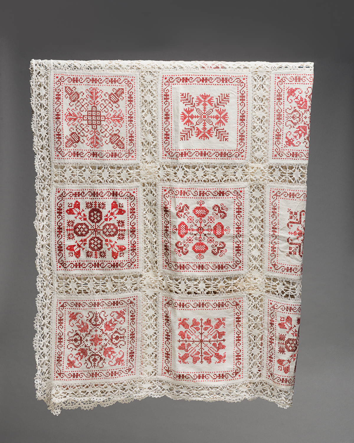 It is made of 30 linen squares embroidered in cross-stitch. (Photo: Peter Berra)