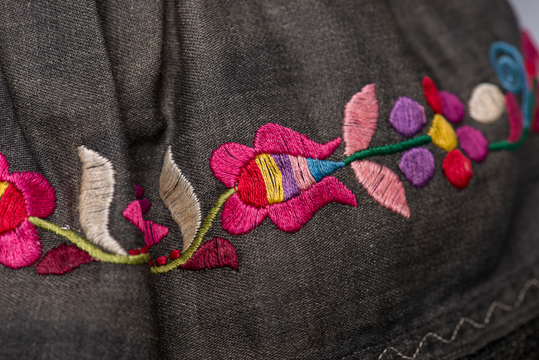 Les vêtements ont été confectionnés selon le style traditionnel slovaque. (Photo : Peter Berra)