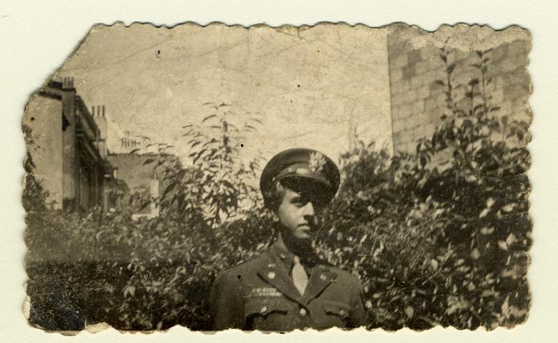 Léopold Heinz Rübler en uniforme en 1945.