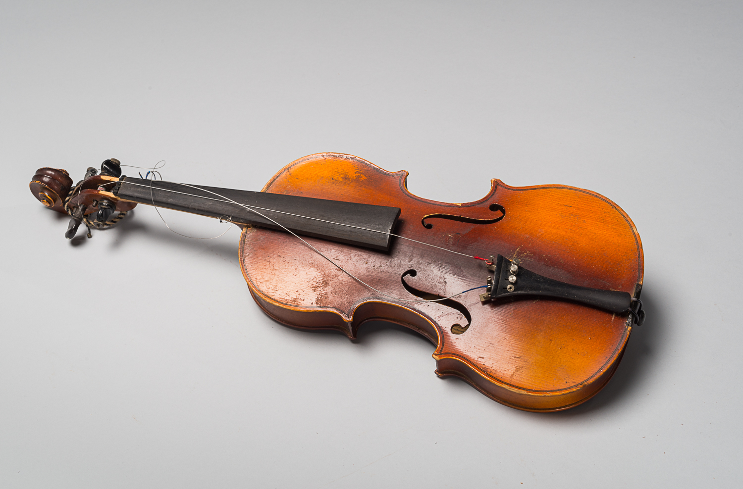 Le violon d'Alexander Izso (Photo : Peter Berra)