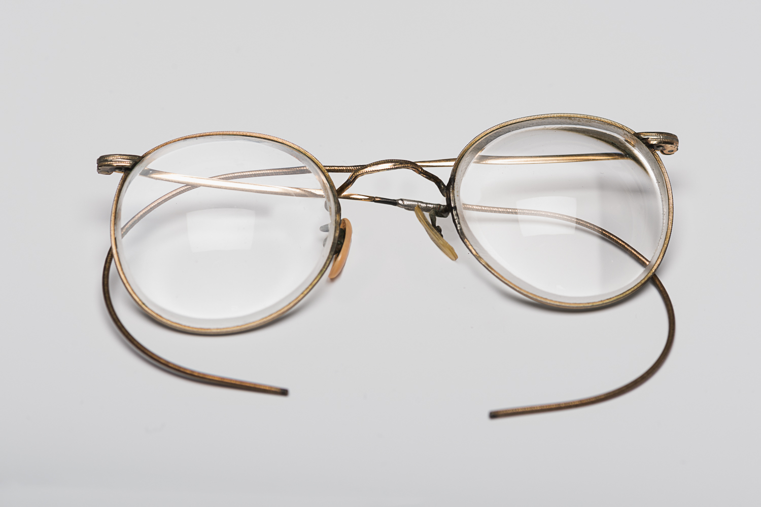 These round-shaped glasses belonged to Edith Reh. She managed to hide them inside her closed fist during every selection in various Nazi concentration camps.