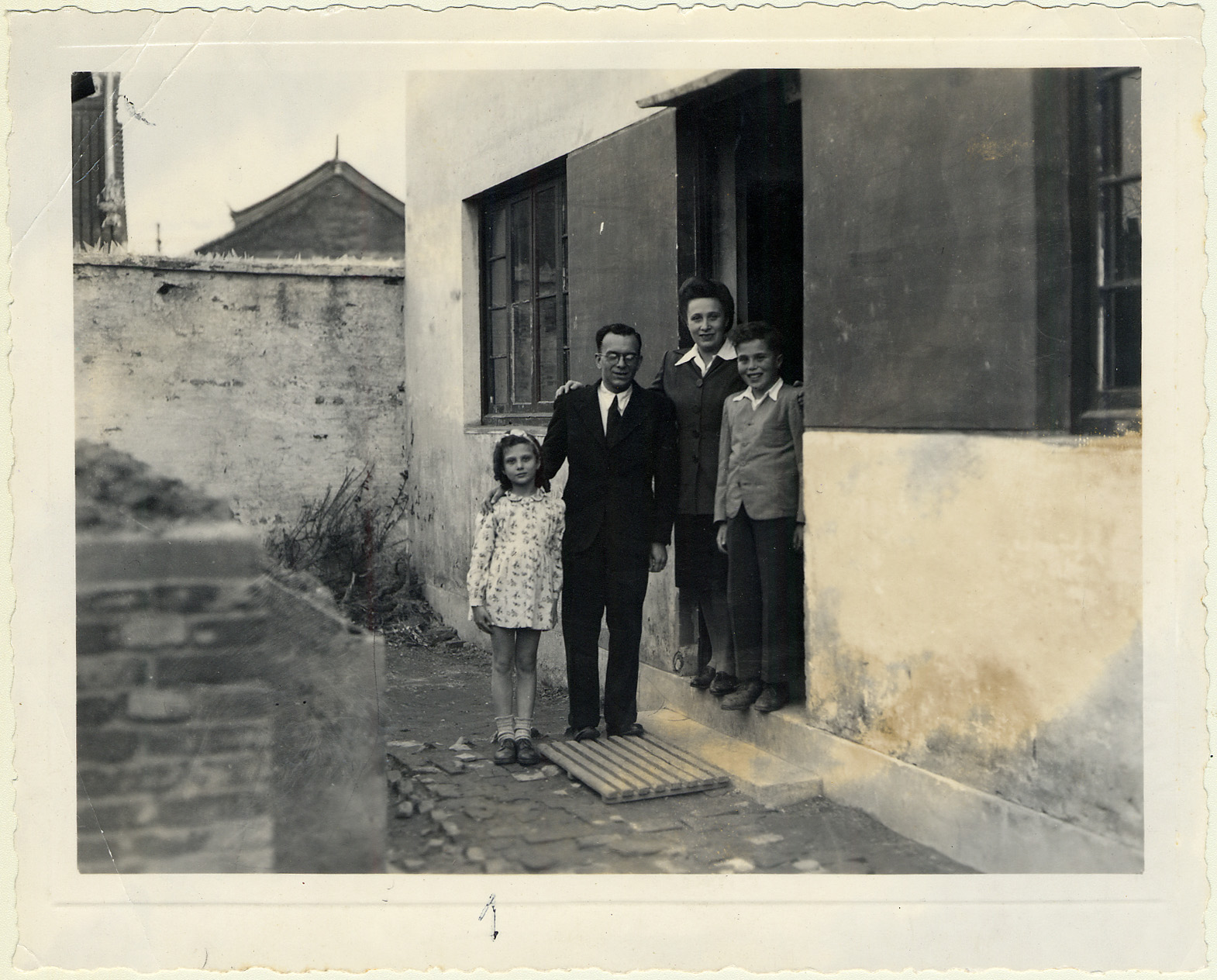 The Voticky family in Shanghai in 1945. Anka and Arnold Voticky and their two children arrived in Shanghai in 1940.