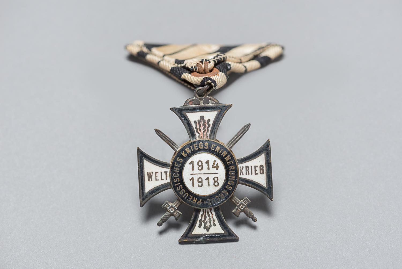 Ces médailles étaient attribuées aux vétérans de la Première Guerre mondiale qui ont combattu pour l'Allemagne. (Photo : Peter Berra)