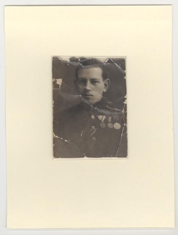 Portrait de Sandor Vadasz en uniforme et décoré de médailles, vers 1915.