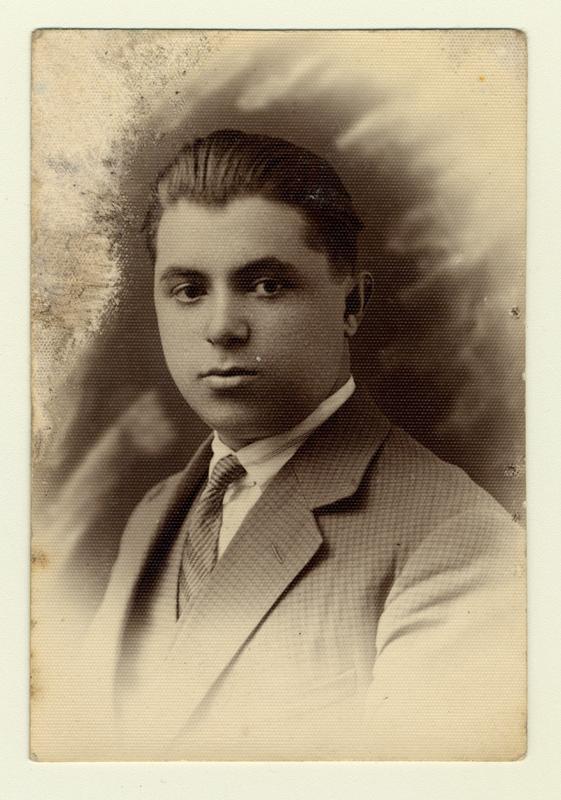 Un portrait de Beniek Szpajzer en 1929.