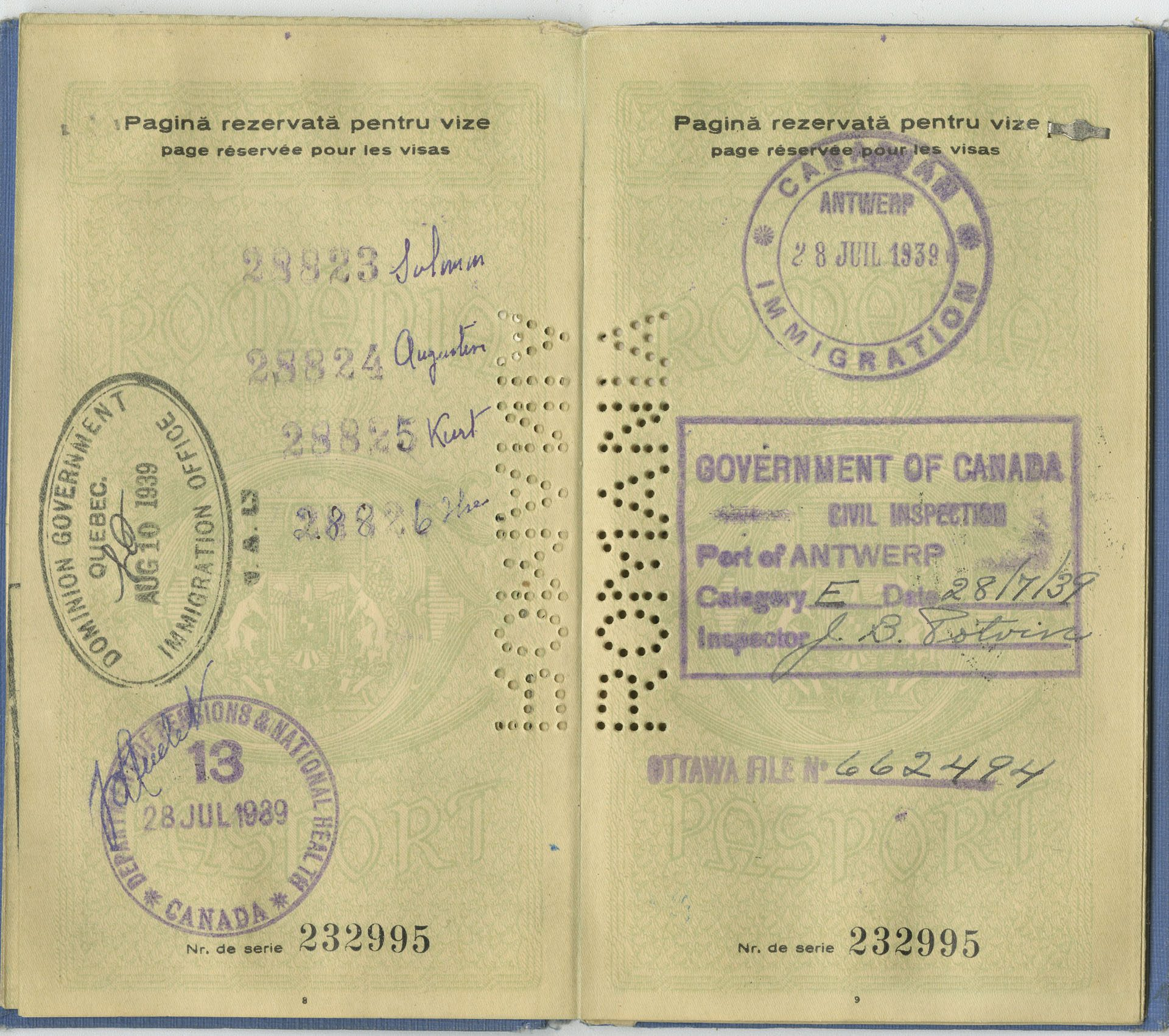A page of Salomon Gottfried's passport with the family's visas to immigrate to Canada in 1939.