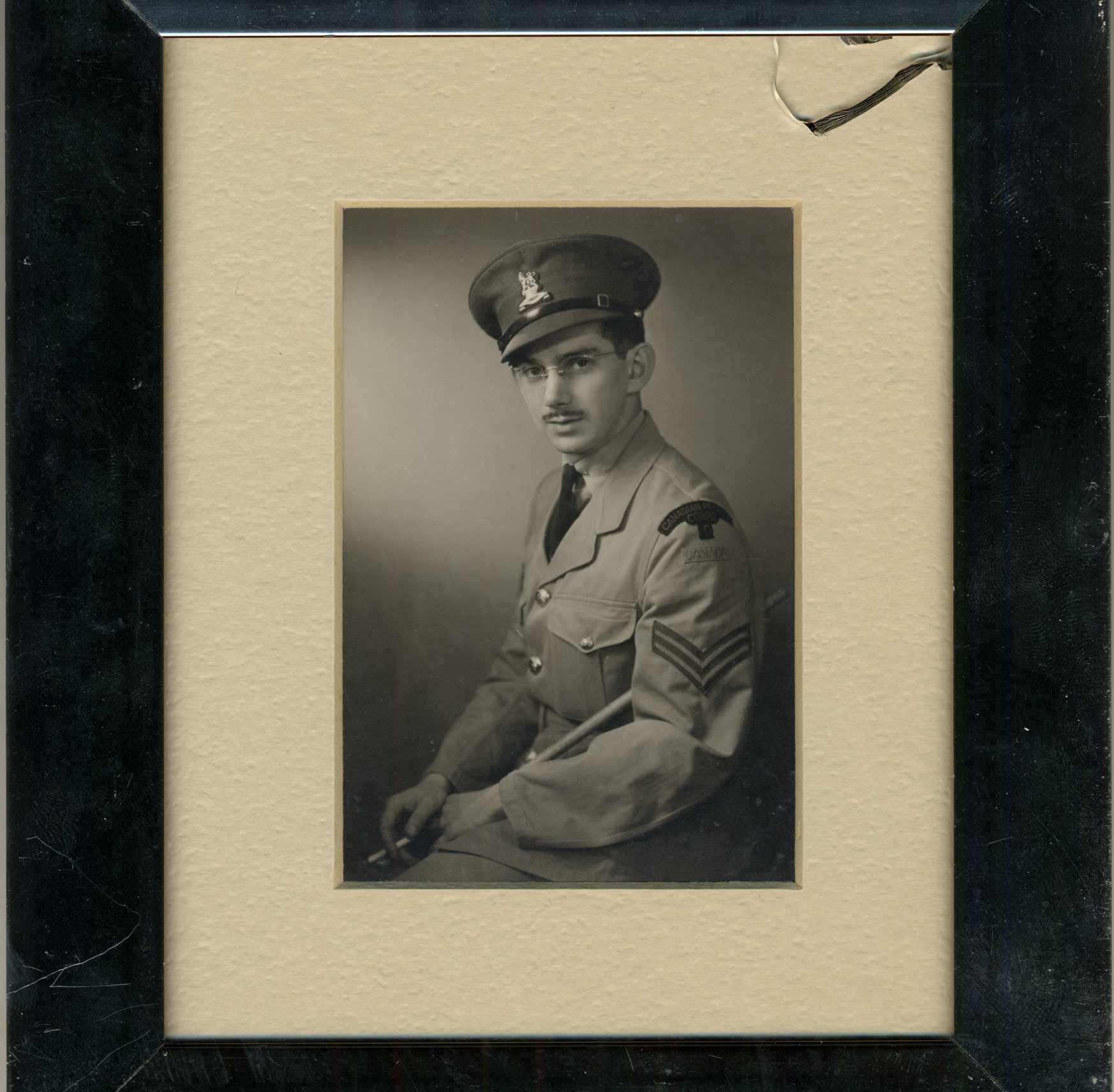 Portrait de Sydney Howard Selig en uniforme en 1945.