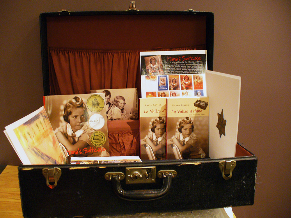 Physical version of the Hana's Suitcase activity for Quebec teachers.