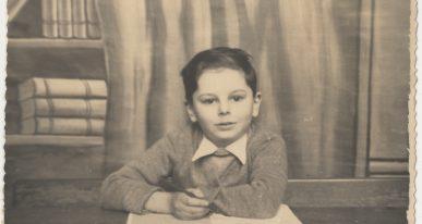 Marcel Ténenbaum, survivant de l'Holocauste. en première année à l'école primaire de Schaerbeek, à Bruxelles, en 1942.