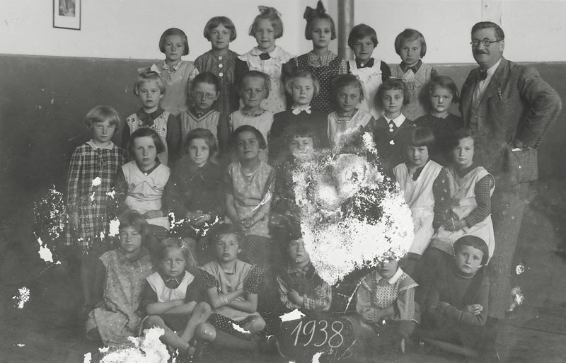 Hana Brady is in the top row, 3rd from left